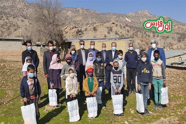 بازگشت جالب یک دانش آموز عشایری به زادگاهش در شیراز