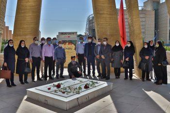 بازدید کارکنان اداره کل نوسازی، توسعه و تجهیز مدارس فارس از نمایشگاه و موزه دفاع مقدس