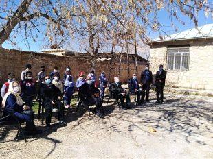 بازدید خانواده مرحوم حاج عبدالحسین معارف از مدرسه روستای آب پرده